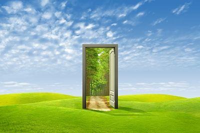role_model_door_opens